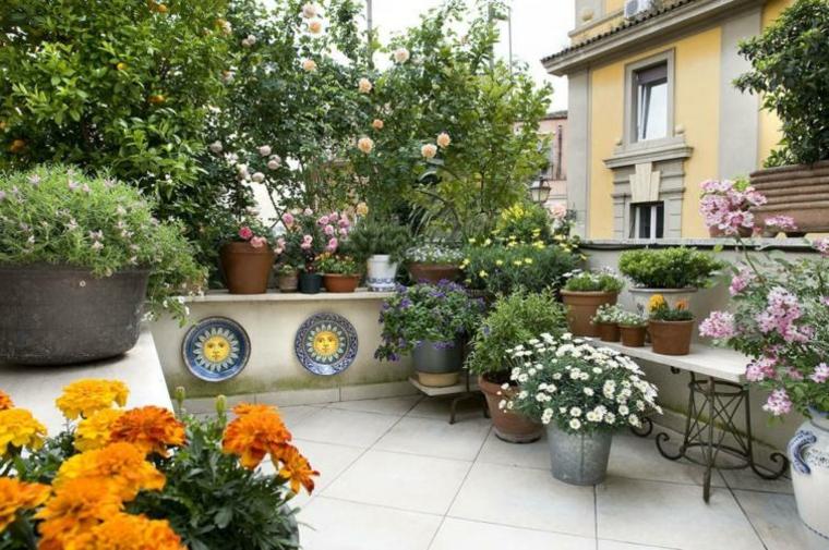 Balcones con flores. Envio de flores y plantas.